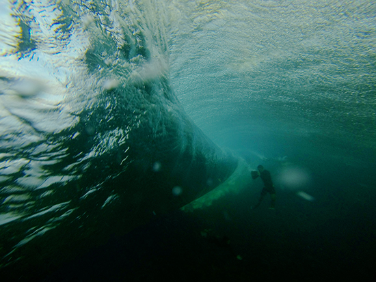 photographer-at-teahupoo