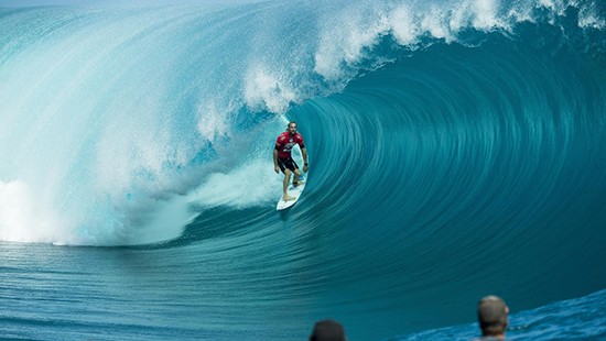 Owen Wright standing tall at the 2014 Billabong Pro Tahiti.