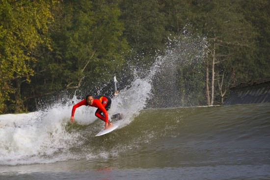 Carissa Moore surfing the wave garden in Spain, the technology that could be used if surfing is included in the 2020 Tokyo Olympic Games