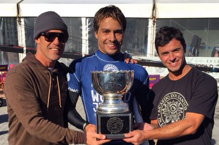 wsl 2015 world junior champion lucas silveira with coach leandro dora